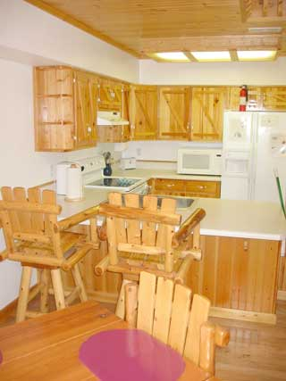 NC cabins for rent. Quiet and secluded, yet just minutes to Nantahala River white water rafting.