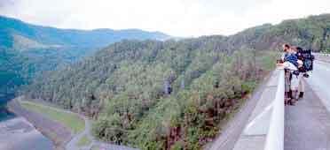 Western north carolina vacation cabin rentals nantahala for Watershed cabins lake fontana view